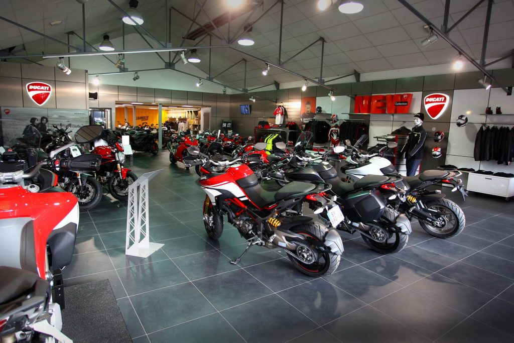 showroom Ducati paris nord moto