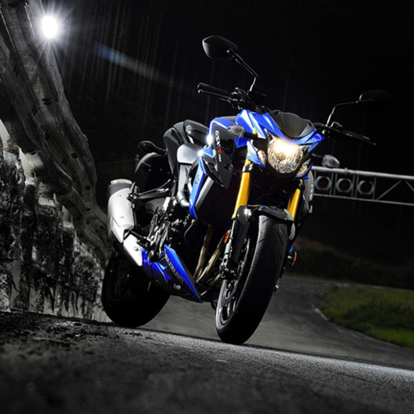 image 01 GSX-S750 chez Suzuki Paris Nord moto
